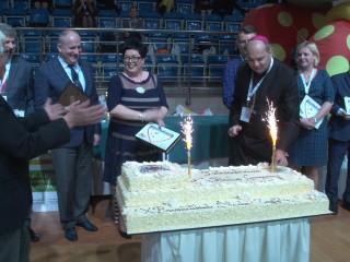 Zawody sportowe i jubileuszowy tort